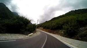 Von Fierza Richtung kosovarische Grenze