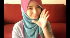 Gadis Cantik Berjilbab Imut