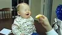 Limon Yiyen Bebeklerin Komik Halleri -)