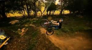 Bisikletle Olağanüstü Gösteri (HD Video) video izle - 12 Nisan 2012 _ 16_23
